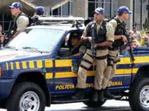 policiais prf 300x225 - Concurso da Polícia Rodoviária Federal será realizado no próximo domingo