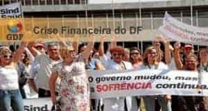 crise finaceira GDF 2015 300x160 - Crise financeira no GDF: Governo assegura concursos homologados ou em andamento