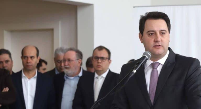 Governador do Paraná anuncia 6 mil vagas em novos concursos públicos